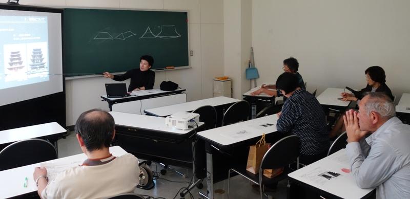荘厳な建物-NHK講座