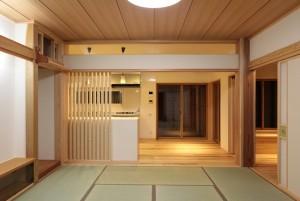 和室とダイニングキッチン