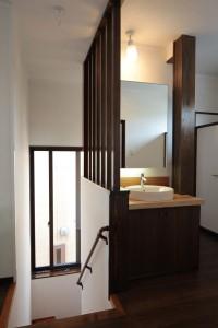 階段と2階洗面